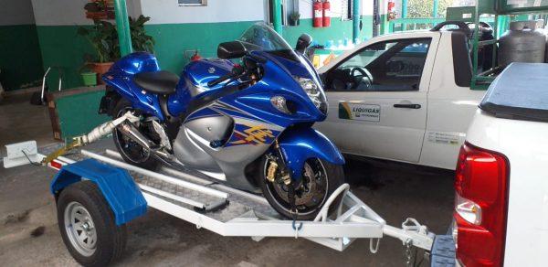 Carreta 1 moto revestida de alumínio